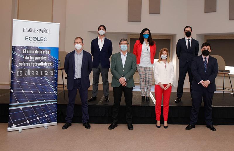 Ecolec organiza el debate «El ciclo de la vida los paneles solares fotovoltaicos: del alba al ocaso» junto a El Español